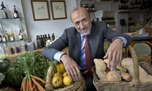 Carlo-Petrini-the-founder-001