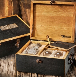 New Handcrafted Pappy Van Winkle Gift Set Ultimate Bourbon Lover's Dream