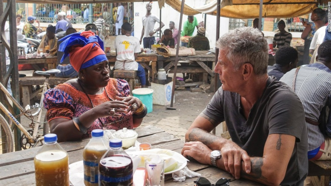 160429142931-05-senegal-bourdain-super-169