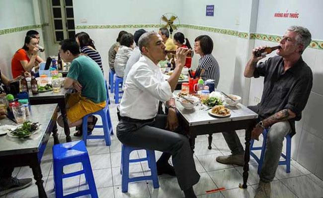 Obama-eating-pork-soup